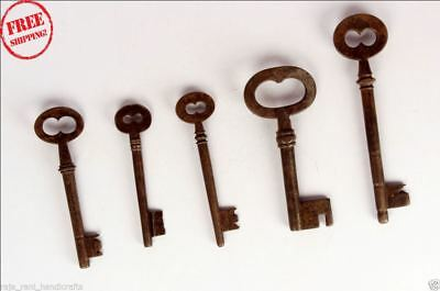 5 Pc Old Solid Iron Handcrafted Unique Shape Big Size Keys , Rich Patina 9440