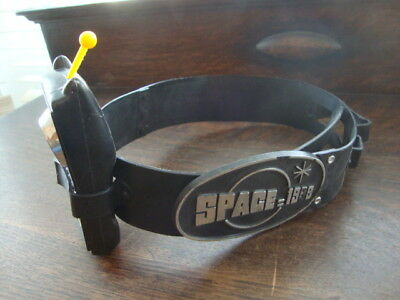 Rare Remco Toys Space 1999 1970s Utility Belt with Radiation Detector
