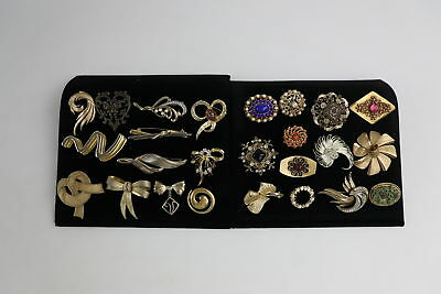 25 x VINTAGE Gold Tone Abstract & Wreath Brooches inc. TRIFARI Signed