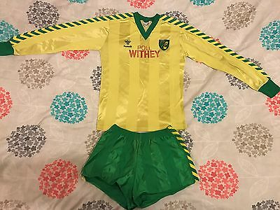 Norwich City FC - 1984/85 Home Shirt and Shorts - Poll Withey - Hummel