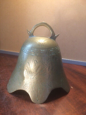 Antique bronze chinese large temple bell