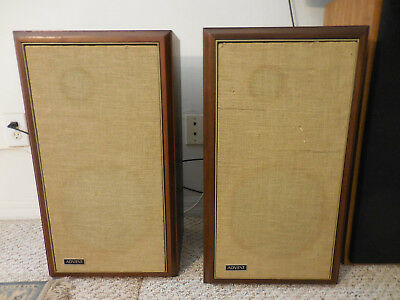 Vintage Pair of Large Henry Kloss Advent Loudspeakers-Walnut wood case speakers