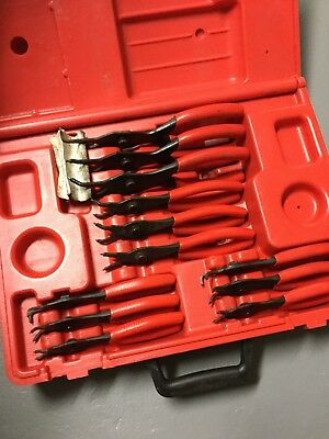 Preowned Snap-on 12 Piece Retaining Ring Plier Set SRPC112 Red Grip in Case