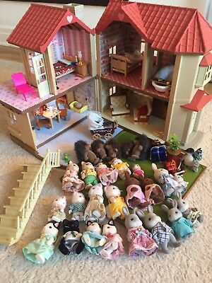 Sylvanian Beechwood Hall -Wallpaper, Curtains And Lights With Lots Of Families