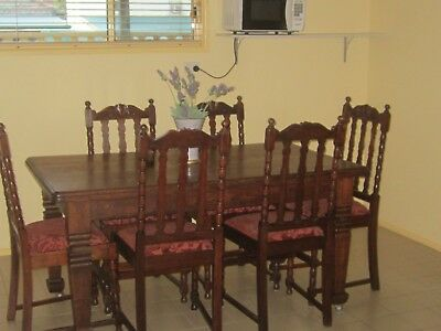 Antique Oak Dining Table & 6 Chairs