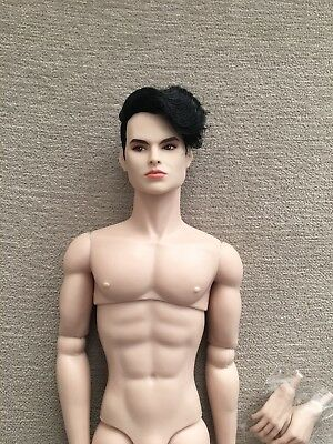 Integrity Fashion Royalty East 59th Laird Drake homme doll-- NUDE w extra hands