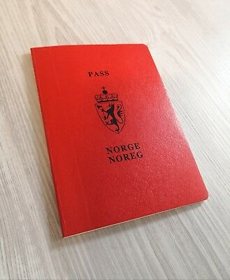 NORWAY collectible 1986 passport travel document (expired/invalid)