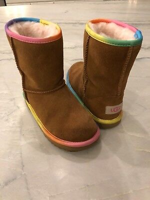 368da36d40a GIRLS UGG CLASSIC II Short Rainbow Little Kids in Chestnut, Size 1