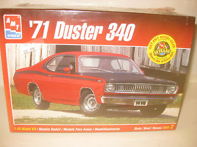 AMT 1971 PLYMOUTH DUSTER 340 CAR 2DR HARDTOP FACTORY/SEALED1/25 scale