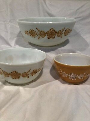 Vintage Pyrex Lot of 3 Gold and White Butterfly Pattern Nesting Mixing Bowls