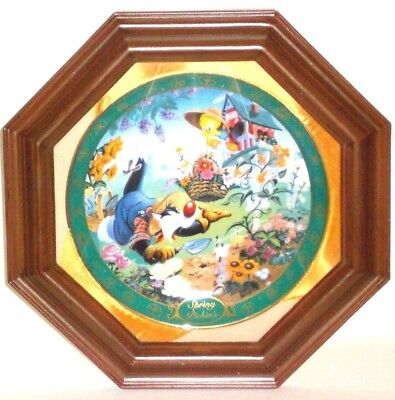 Spring Pickins Looney Tunes Characters Collectors 1997 Plate WB #0398 with Frame