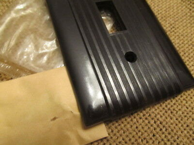 Vintage P & S Uniline Ribbed Brown Bakelite Switch Plate NOS
