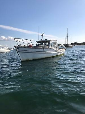 Wooden boat 1946 27ft ex naval launch Must go Asap Make an offer