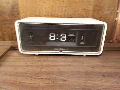 Very Scarce White General Electric GE Model 492E ANALOG FLIP ALARM CLOCK RARE