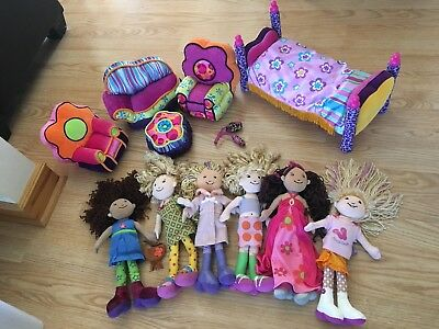 Manhattan Toys GROOVY GIRLS Dolls Bed Couch Chair Stool Phone Huge Lot