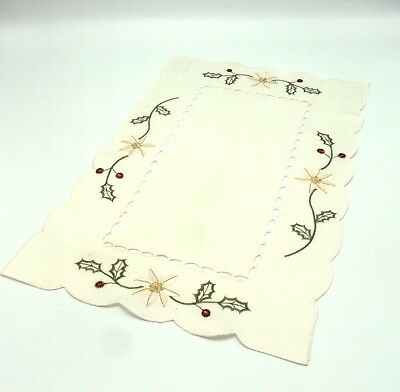 Embroidered Holly & Berry Design Christmas  Placemats pack of 4