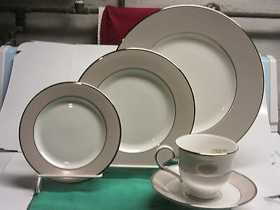 Lenox Federal Platinum Frost fine American china 1-5pc. place setting new made U
