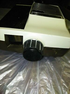 Vintage Montgomer Ward Quiet 888 Automatic Slide Projector With Wireless Remote