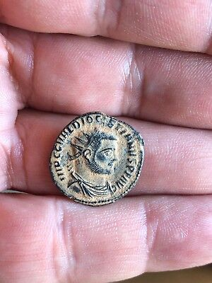 Roman bronze follis of emperor Diocletian (284-305). Very nice piece!