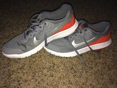 29274f9349b92 Boys Youth NIKE Flex Experience 4 749807 081 Grey Sneakers Shoes BARELY  WORN 5Y