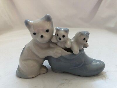 Vintage Occupied Japan Mother CAT and KITTENS IN SHOE Figurine
