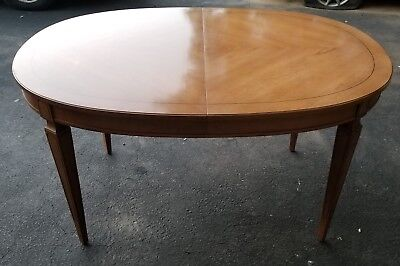 Antique Dining Room Table with pads Leaf and 4 chairs !!