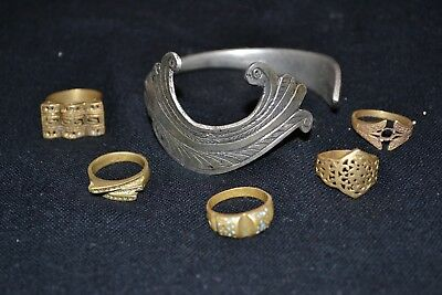 Fabulous Collection of 5 Roman BRONZE Rings,And amazing Silver Bracelet