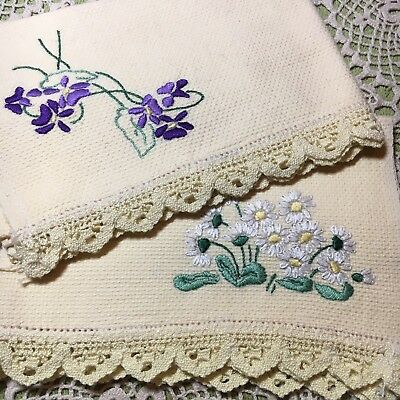 2 Pretty Vintage Embroidered Guest Hand Towels Cream Lace Edge Violets & Daisies