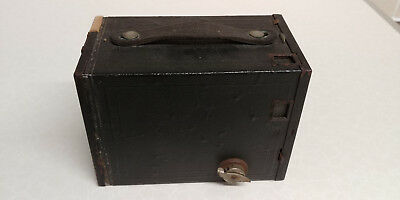 VINTAGE KODAK NO.2 BROWNIE 120 FILM BOX CAMERA Model F (MADE IN CANADA)
