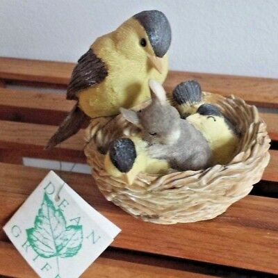 Charming Tails Silvestri Dean Griff Slumber Party Mouse in Birds Nest Figurine