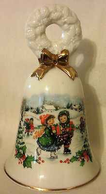 Vintage AVON 1986 Christmas BELL Wreath Fine Collectible Porcelain Gold Trim 5""