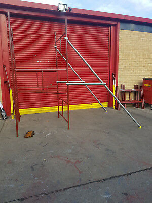 2 x Folding Scaffold Outriggers /Stabilizers