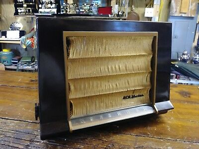 Vintage RCA VICTOR Model 1-X-591 Working Tube AM Radio