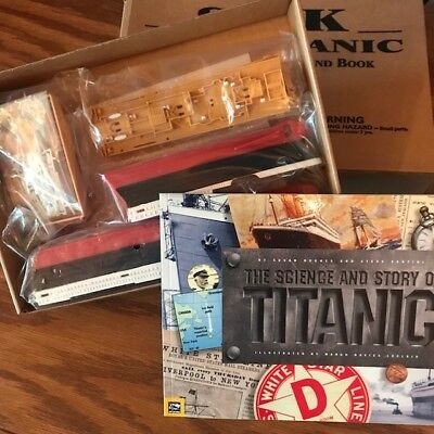 Sink the Titanic submersible model and book Scholastic Book Club Edition new