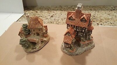 Vintage David Winter Houses - Tollkeepers Cottage and Squires Hall - Lot of 2