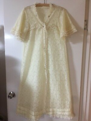 Ladies Vintage Lace Full Length Short Sleeve Dressing Gown - Size 10
