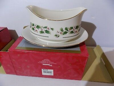 . Fine China of Japan  A Season of Wonder Gravy Boat & Cookie Plate