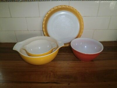 Collection Of 3 Pyrex Mixing Bowls & Pie Dish ~ Vintage Retro