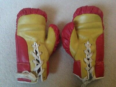 Vintage red leather boxing gloves child's size 6oz