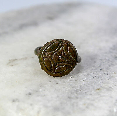 Medieval / Post-Medieval Bronze Round Signet Ring 12th -16th Century Size 5
