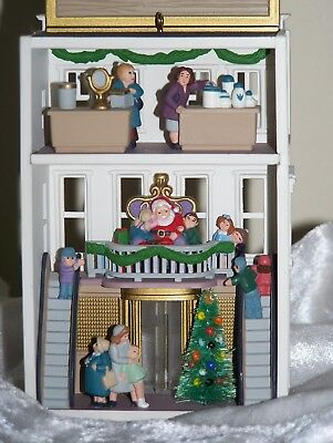 Hallmark Nostalgic Homes & Shops Tannenbaum's Department Store Ornament