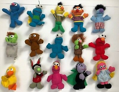 Lot of 15 Vintage Kellogg's Sesame Street 'Mini Bean' Toys EUC