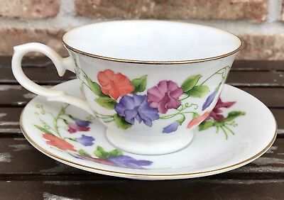 Avon April Sweet Pea Blossoms of The Month Tea Cup and Saucer 1991 EUC