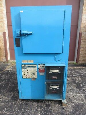 "Blue M Ultra-Temp Convection Oven No. CW-6612 WORKS Furnace Size 18"" x 18"" x 19"""