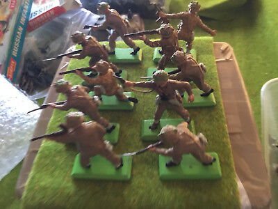 Toy Soldiers Britains Deetail BRITISH INFANTRY - MADE IN ENGLAND