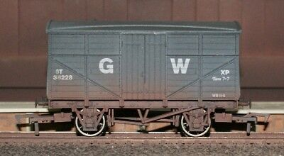 Dapol B504AW GWR 8T Fruit Mex Van 38228 Weathered New Box - Tracked 48 Post