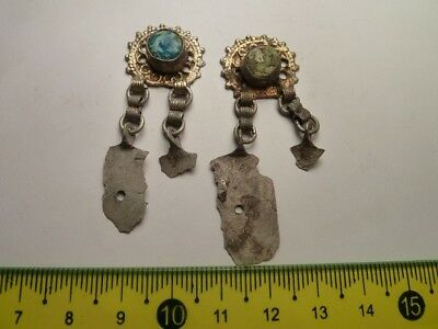 2862	A pair ancient Byzantine silver gilded earrings whit blue and green glass