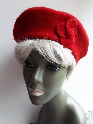 Vintage Retro Red Wool Beret With Flower
