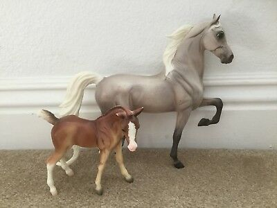 Breyer Color Crazy Treasure Hunt Arabian Mare And Foal