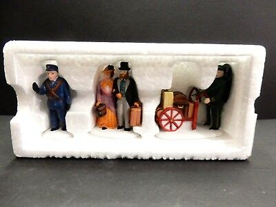 "DEPT. 56 HERITAGE VILLAGE COLLECTION  ""HOLIDAY TRAVELERS"" ( set of three) EUC"